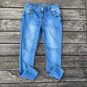 Wallflower Super Stretch Mid Rise Jeans Jr 13